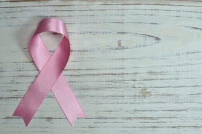 Las mujeres con cáncer de mama tienen mayor riesgo de fibrilación auricular